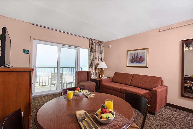 Reges Oceanfront Resort Room